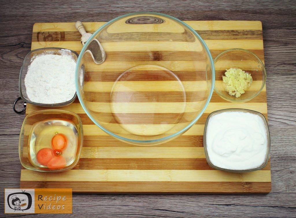 Chicken strips in garlic-sour cream recipe, how to make Chicken strips in garlic-sour cream step 2