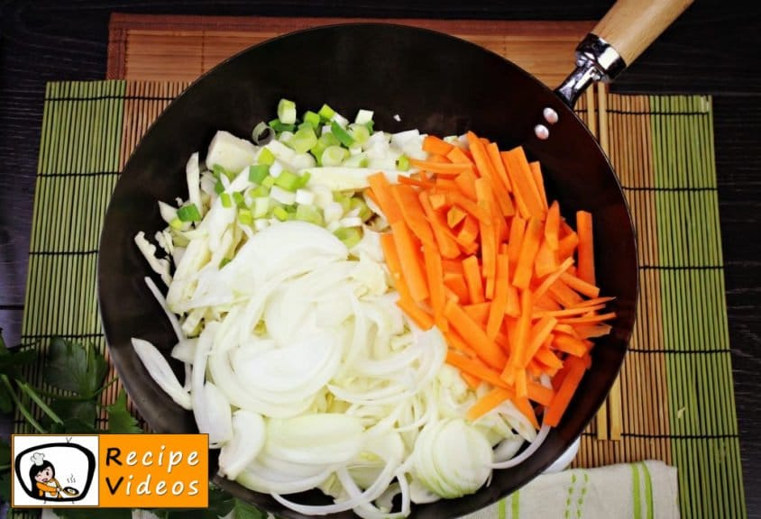 Chinese vegetables noodles recipe, prepping Chinese vegetables noodles step 1