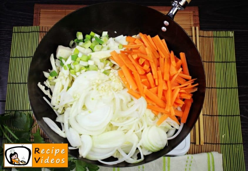 Chinese vegetables noodles recipe, prepping Chinese vegetables noodles step 2