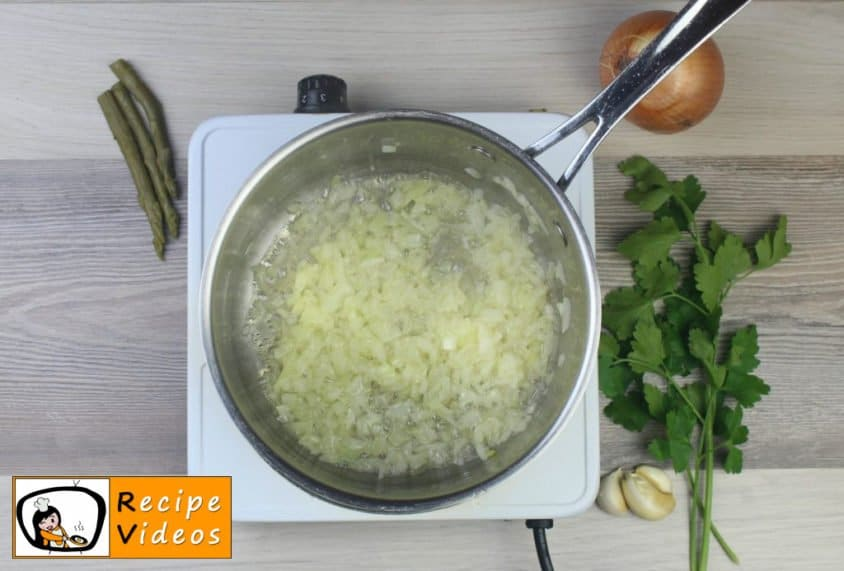 Cream of Asparagus soup recipe, how to make Cream of Asparagus soup step 1