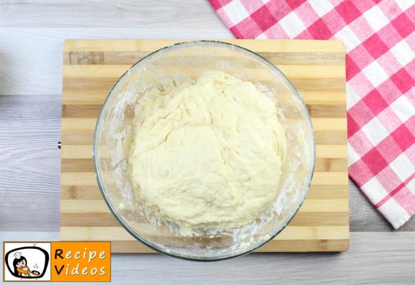 Hamburger buns recipe, how to make Hamburger buns step 3