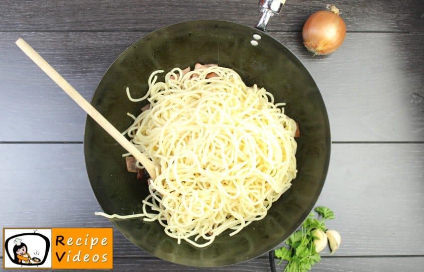 Spaghetti Carbonara recipe, prepping Spaghetti Carbonara step 5