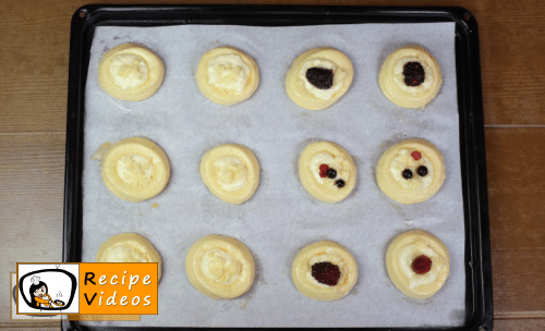 Sweet yeast nests with curd recipe, prepping Sweet yeast nests with curd step 13
