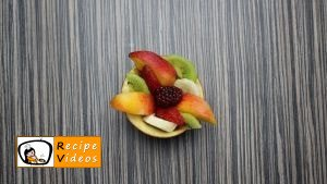 Fruit cup with apple flowers recipe, how to make Fruit cup with apple flowers step 3