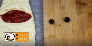 Mummy pizza recipe, how to make Mummy pizza step 4