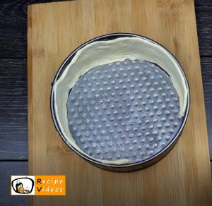 Scalloped mini pizza recipe, how to make Scalloped mini pizza step 2