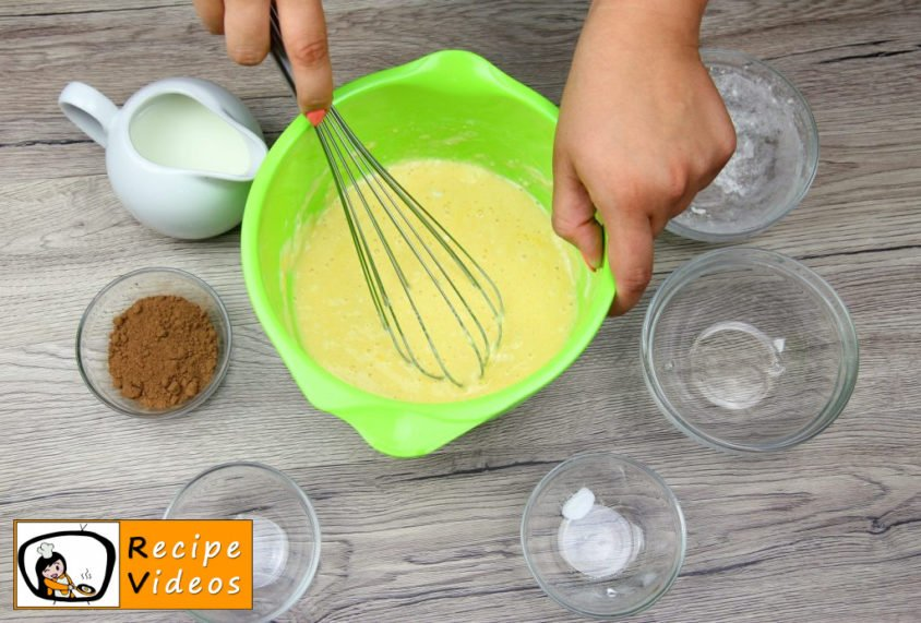 Bear-shaped Pancakes recipe, how to make Bear-shaped Pancakes step 1