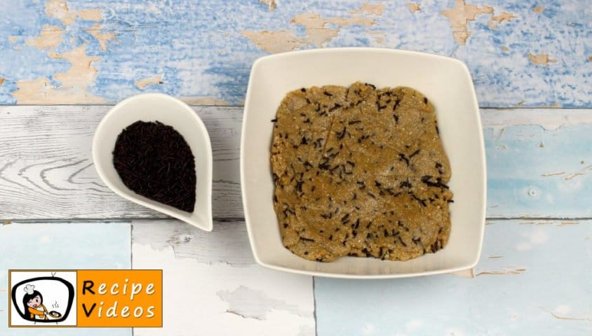 Chocolate Oatmeal Cookies with Frozen Yogurt recipe, how to make Chocolate Oatmeal Cookies with Frozen Yogurt step 4