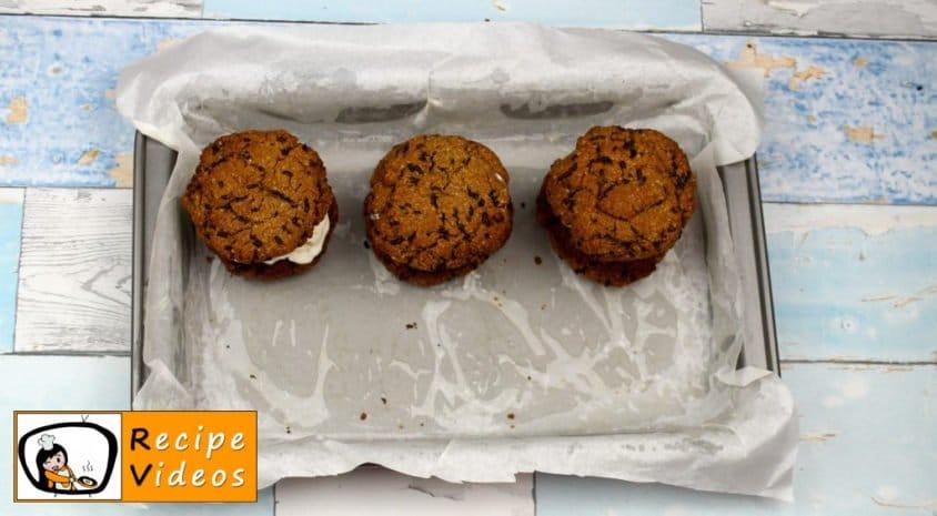 Chocolate Oatmeal Cookies with Frozen Yogurt recipe, how to make Chocolate Oatmeal Cookies with Frozen Yogurt step 8