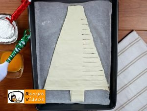 Christmas tree with hazelnut cream recipe, how to make Christmas tree with hazelnut cream step 4