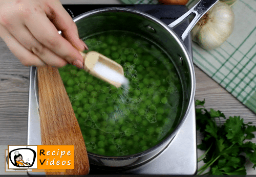 Cream peas recipe, prepping Cream peas step 3