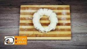 Hazelnut cream filled banana wreath recipe, prepping Hazelnut cream filled banana wreath step 6