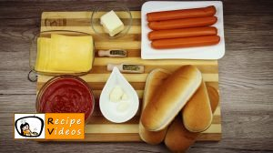 Hot dog with Bolognese sauce recipe, prepping Hot dog with Bolognese sauce step 1