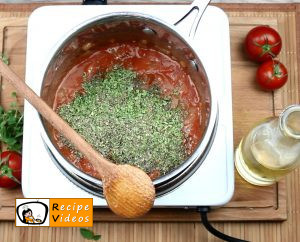 Larded meatballs with tomato sauce recipe, prepping Larded meatballs with tomato sauce step 5