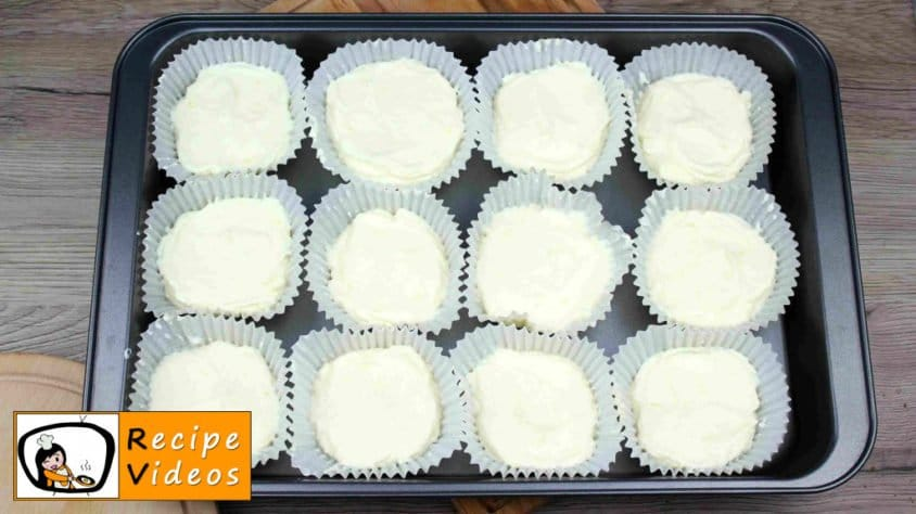 Mini cheesecake with lemon recipe, prepping Mini cheesecake with lemon step 6