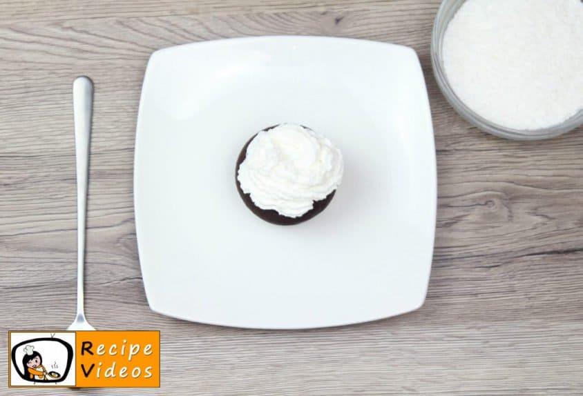 Panda Muffins recipe, prepping Panda Muffins step 4
