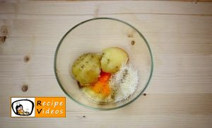 Potato pancakes filled with cheese and ham recipe, how to make Potato pancakes filled with cheese and ham step 2