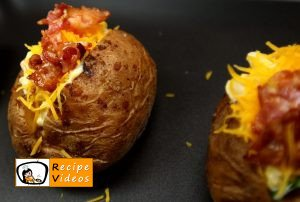 Stuffed baked potatoes with bacon recipe, prepping Stuffed baked potatoes with bacon step 4