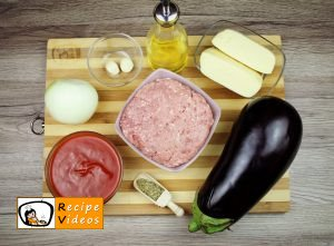Stuffed eggplant with minced meat recipe, prepping Stuffed eggplant with minced meat step 1