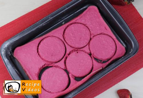 Valentine's Day Mini Ombré Cake recipe, prepping Valentine's Day Mini Ombré Cake step 10