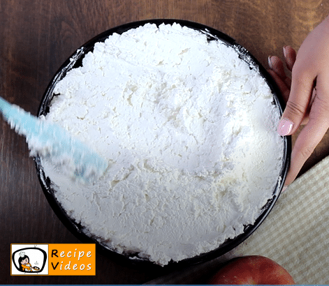 Mirror Glaze Cake recipe, prepping Mirror Glaze Cake step 7