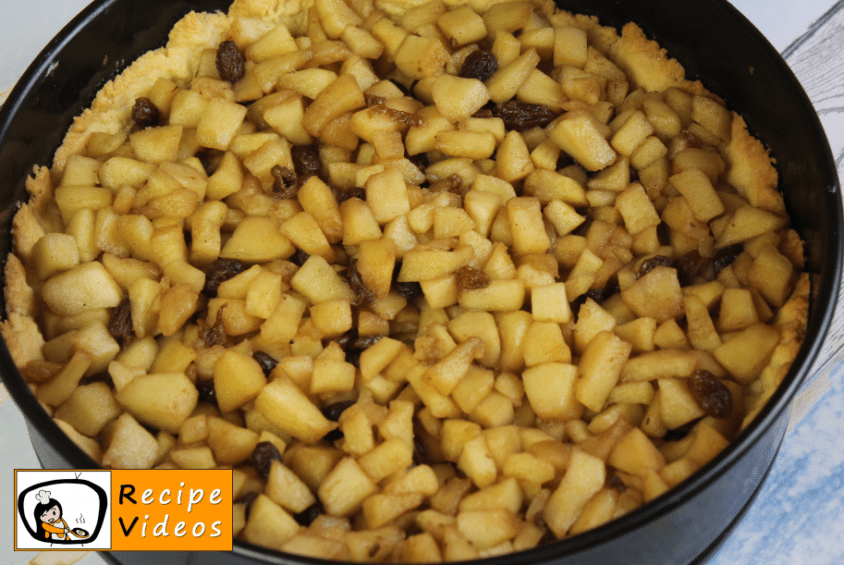 Toppled Apple Pie recipe, prepping Toppled Apple Pie step 4