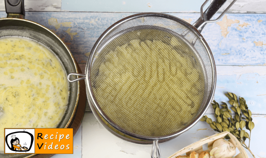 Extra-Buttery Mashed Potatoes recipe, prepping Extra-Buttery Mashed Potatoes step 3