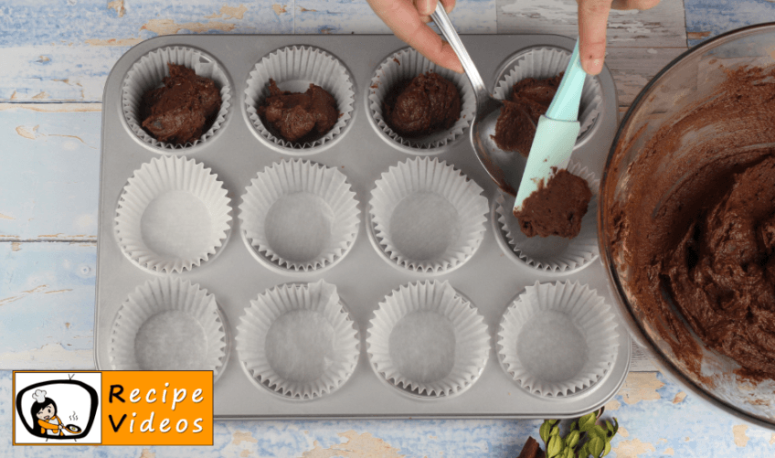 Christmas Light Cupcake recipe, how to make Christmas Light Cupcake step 5