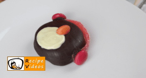Oreo Penguins recipe, prepping Oreo Penguins step 3
